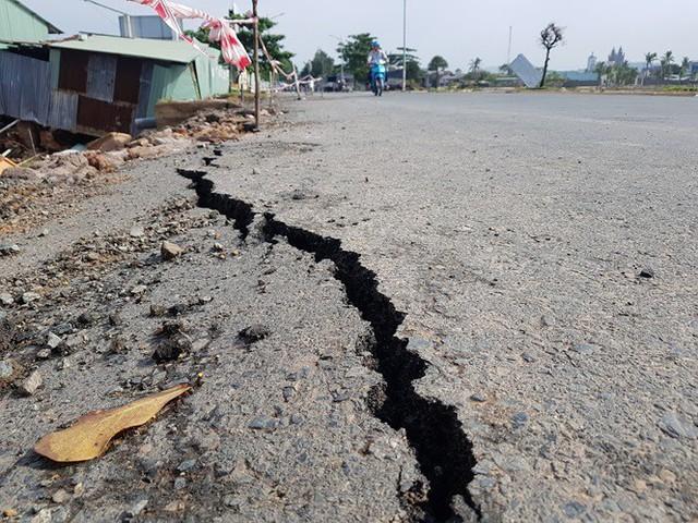 Đường trên đảo Phú Quốc bị tàn phá nghiêm trọng sau trận lụt lịch sử  - Ảnh 7. Đường trên đảo phú quốc bị tàn phá nghiêm trọng sau trận lụt lịch sử Đường trên đảo Phú Quốc bị tàn phá nghiêm trọng sau trận lụt lịch sử photo 6 15656612985041794240882