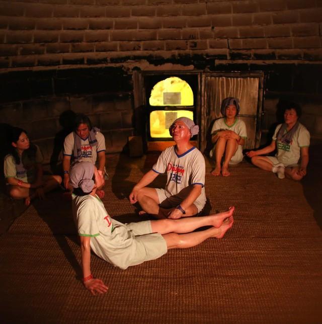 Xông hơi Jjimjibang Hàn Quốc: Buộc phải trần như nhộng khiến người nước ngoài sốc nặng nhưng lại chứa đựng nét văn hóa trút bỏ khoảng cách đầy ý nghĩa - Ảnh 9.