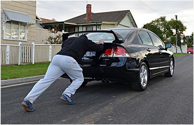 Nguyên nhân và cách xử lý xe ôtô bị chết máy giữa đường - Ảnh 3.