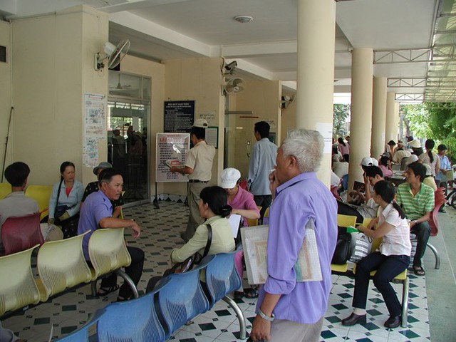 Hàng ngàn hộ dân ở TP HCM chờ cấp sổ hồng - Ảnh 1.