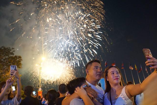 Lễ Quốc khánh 2/9, TP.HCM tổ chức bắn pháo hoa tại 3 điểm - Ảnh 1.
