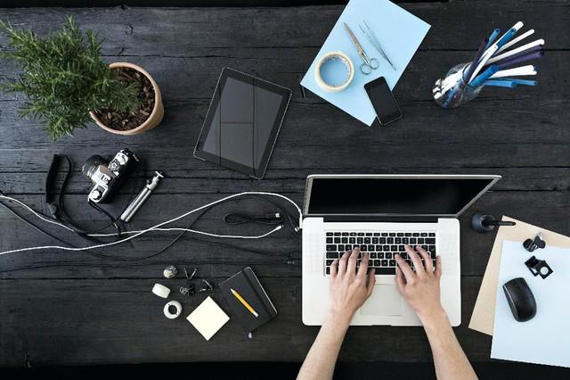 6 lưu ý khi bố trí bàn làm việc theo phong thủy để sự nghiệp thăng tiến, vạn sự như ý: Thay đổi nhỏ cũng đem lại lợi ích lớn! - Ảnh 1.