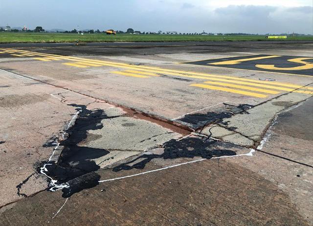 Hai sân bay lớn nhất Việt Nam nguy cơ phải đấyng cửa, có tiền không được sửa - Ảnh 2.