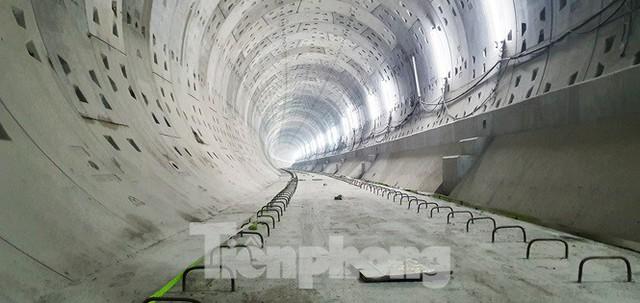 Cận cảnh đường hầm Metro số 1 dưới lòng Sài Gòn - Ảnh 16.