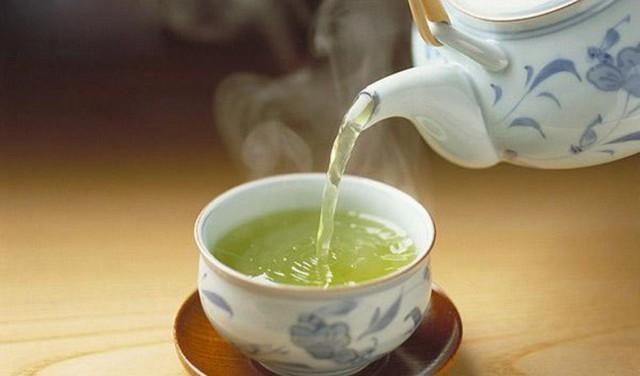 Nếu ai vẫn giữ thói quen uống trà như này, hãy đề phòng nguy cơ mắc bệnh ung thư tăng hơn 40% - Ảnh 3.