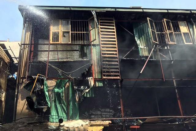 Cảnh hoang tàn sau vụ cháy Công ty bóng đèn phích nước Rạng Đông - Ảnh 7.