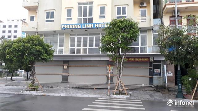 """TP. Sầm Sơn: Bão áp sát bờ, nhiều du khách vẫn """"vô tư"""" tắm biển - Ảnh 7."""