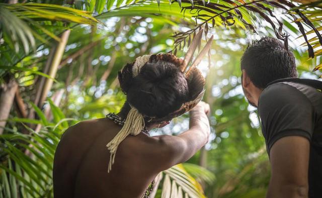 Khi chúng ta chật vật đối phó với bệnh tim, người dân ở bộ lạc này sống vui vẻ với những trái tim khỏe mạnh nhất thế giới: Bí quyết tập trung ở 3 thói quen đơn giản - Ảnh 2.