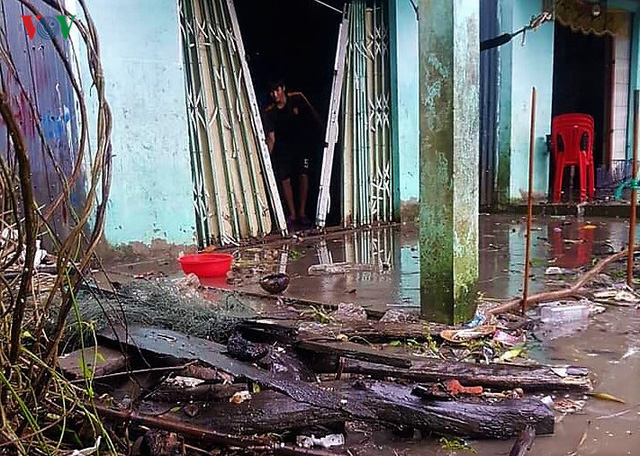 Hiện trường sau cơn thủy triều khủng khiếp tại Cà Mau - Ảnh 12.