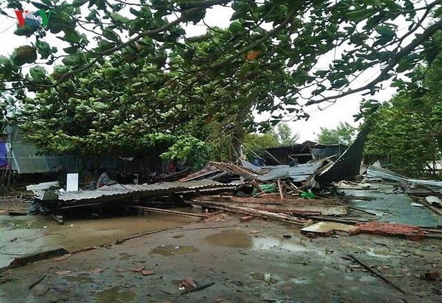 Hiện trường sau cơn thủy triều khủng khiếp tại Cà Mau - Ảnh 17.