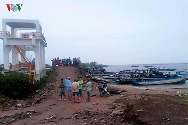 Hiện trường sau cơn thủy triều khủng khiếp tại Cà Mau - Ảnh 6.