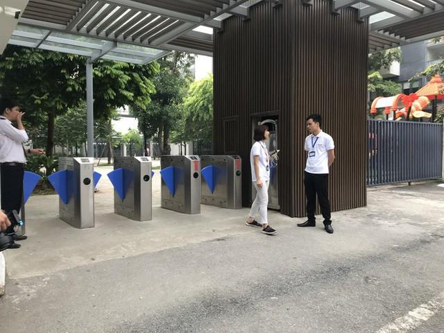 Cận cảnh quy trình đưa đón học sinh của trường Gateway - Ảnh 3.