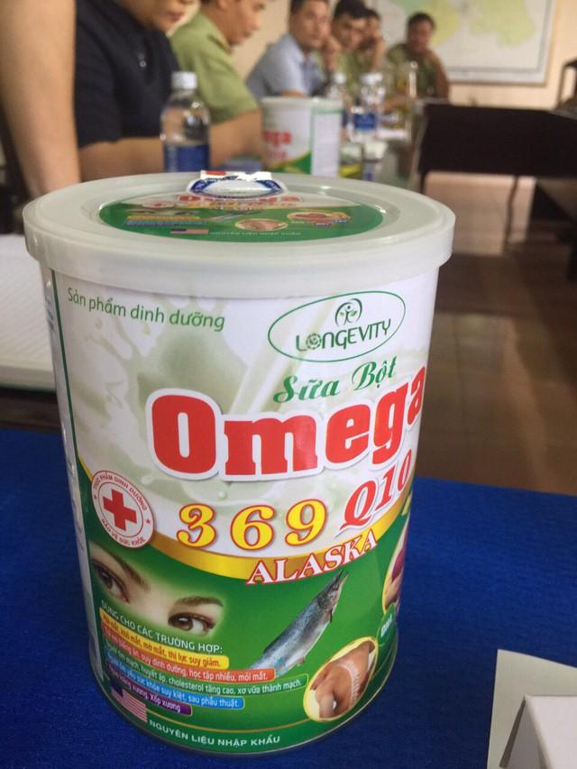 Thu giữ hơn 5.000 hộp sữa bột Omega 369 Q10 ALASKA không đạt chuẩn tại Đắk Nông - Ảnh 1.