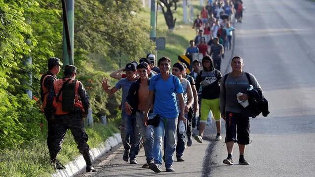 Tòa án Tối cao Mỹ hậu thuẫn ông Trump siết quy chế nhập cư  - Ảnh 1.