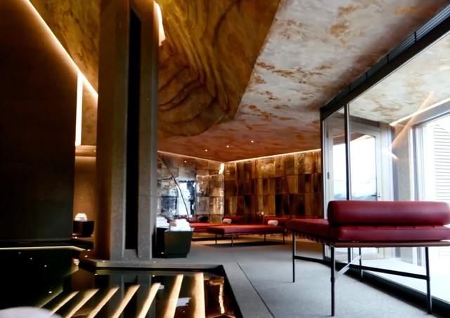 Đột nhập biệt thự 7 tầng dát vàng siêu sang dưới lòng đất - Ảnh 2.