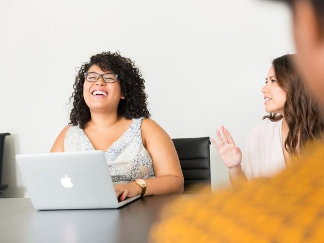 Business Insider đã phỏng vấn 10 nhân viên tiêu biểu về những điều họ ngưỡng mộ ở ông chủ mình: Câu trả lời chính là những chi tiết hoàn hảo nhất để hình thành nên một lãnh đạo tài ba - Ảnh 2.