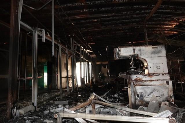 Hình ảnh hiếm hoi trong tầng 2 nhà kho Rạng Đông chưa được công bố - Ảnh 2.