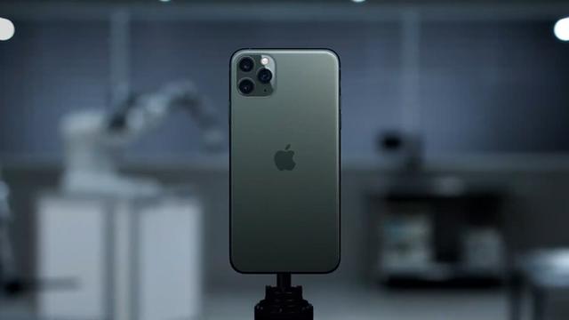 iPhone 11 Pro Max hét giá 50 triệu vẫn có người mua, iPhone 11 giá rẻ lại chẳng ai đoái hoài - Ảnh 2.
