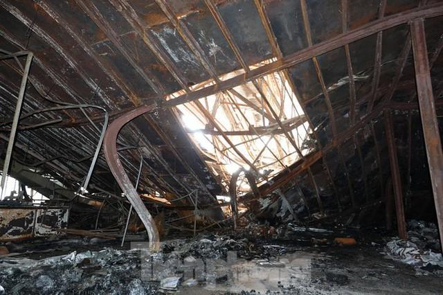 Hình ảnh hiếm hoi trong tầng 2 nhà kho Rạng Đông chưa được công bố - Ảnh 8.