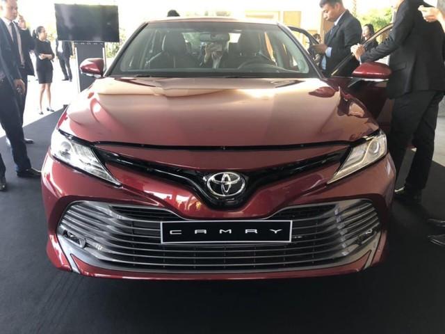 Cuộc chiến xe sedan giá 1 tỷ: Toyota Camry bất ngờ ế ẩm - Ảnh 2.