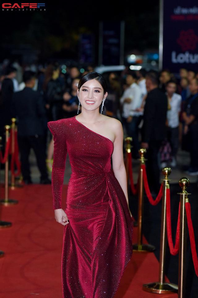 Dàn hoa hậu, người đẹp xuất hiện sớm tại thảm đỏ sự kiện ra mắt MXH Lotus: Tú Anh nổi bật với đầm đỏ rực! - Ảnh 4.