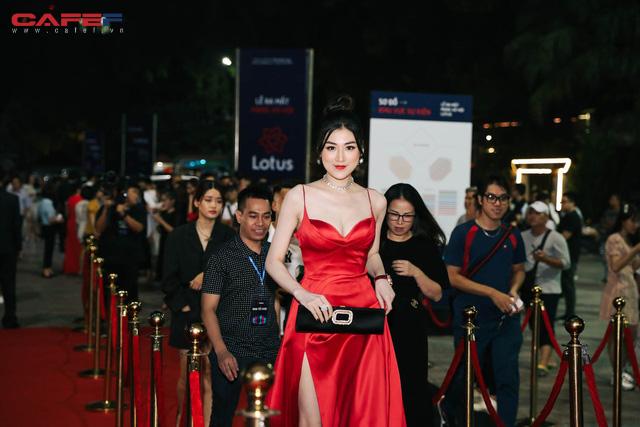 Dàn hoa hậu, người đẹp xuất hiện sớm tại thảm đỏ sự kiện ra mắt MXH Lotus: Tú Anh nổi bật với đầm đỏ rực! - Ảnh 5.