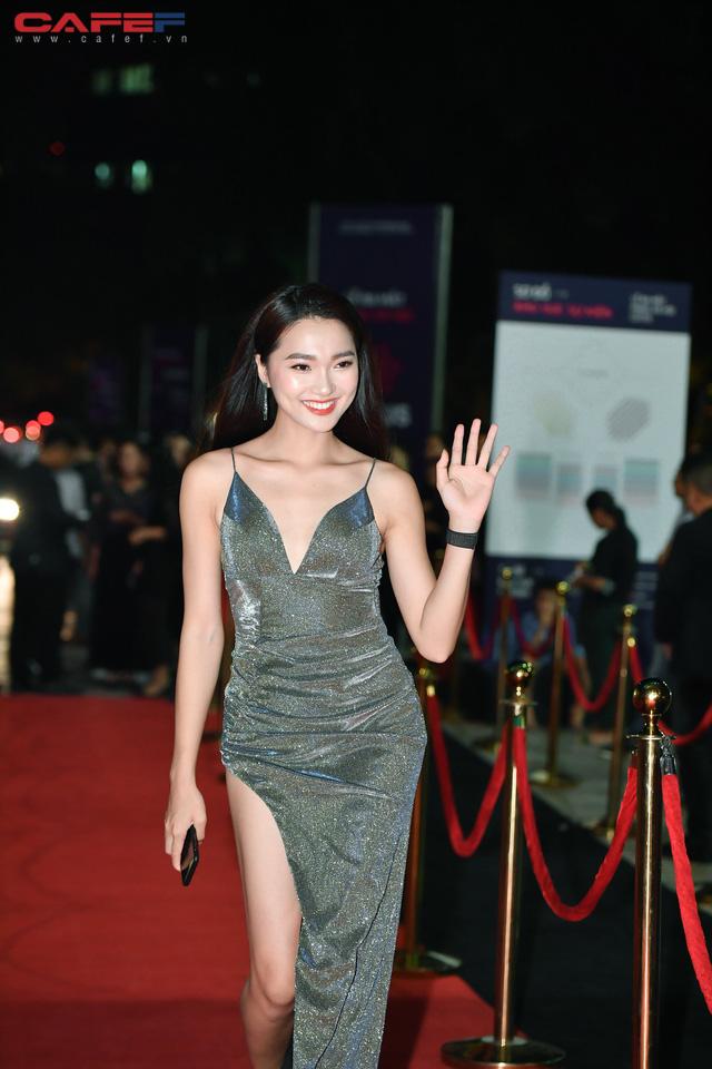 Dàn hoa hậu, người đẹp xuất hiện sớm tại thảm đỏ sự kiện ra mắt MXH Lotus: Tú Anh nổi bật với đầm đỏ rực! - Ảnh 8.