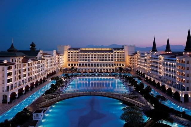Khám phá những khách sạn và resort sang trọng nhất thế giới - Ảnh 2.
