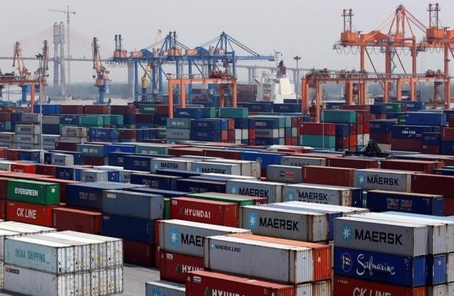 Bloomberg cảnh báo rủi ro nếu Việt Nam không đẩy nhanh tiến độ nâng cấp hạ tầng cảng - Ảnh 1.