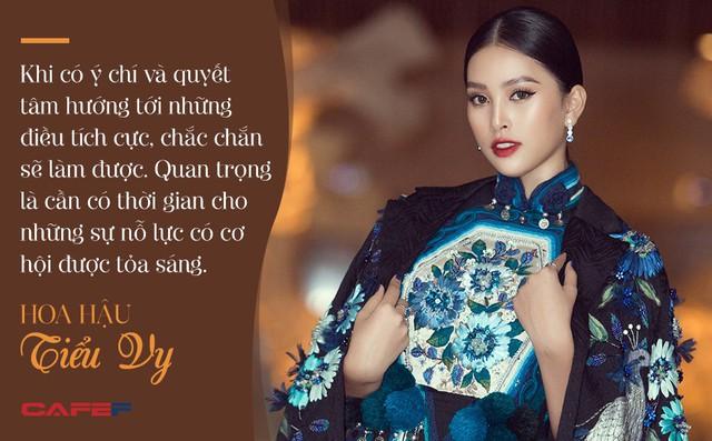 Đăng quang Hoa hậu Việt Nam khi mới 18 tuổi, một năm sau Tiểu Vy tâm sự: Niềm vui không thể đếm xuể - Ảnh 4.