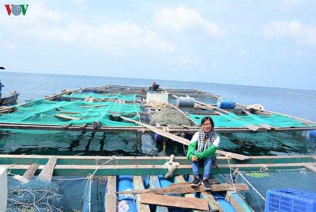 Khám phá nghề nuôi cá lồng bè thu tiền tỷ ở Nam Du - Ảnh 13.