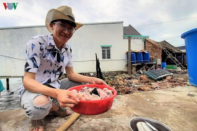 Khám phá nghề nuôi cá lồng bè thu tiền tỷ ở Nam Du - Ảnh 15.