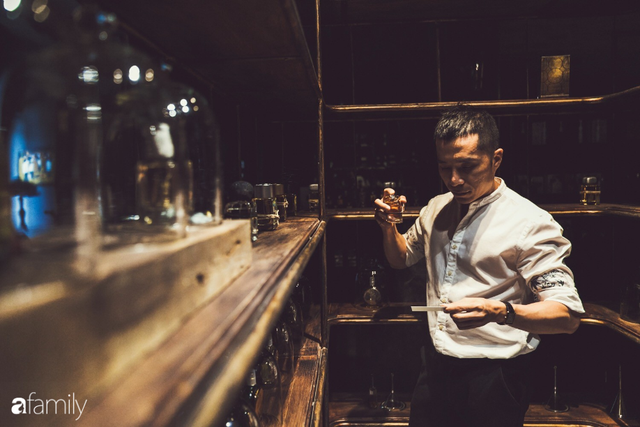 Bên trong tiệm nước hoa bí ẩn nhất Sài Gòn cửa lúc nào cũng đóng, muốn đến phải book lịch trước và tiếp chuyện riêng chỉ 1 người/lượt - Ảnh 19.