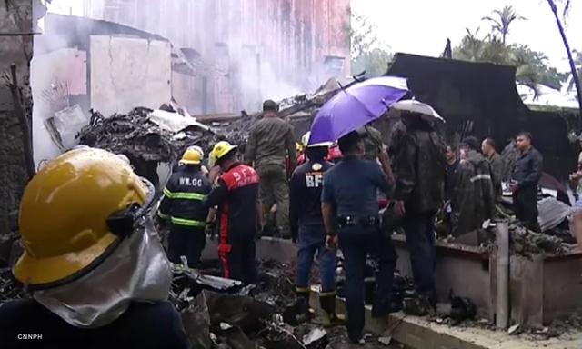 Máy bay rơi trúng khu nghỉ dưỡng, 9 người thiệt mạng  - Ảnh 2.