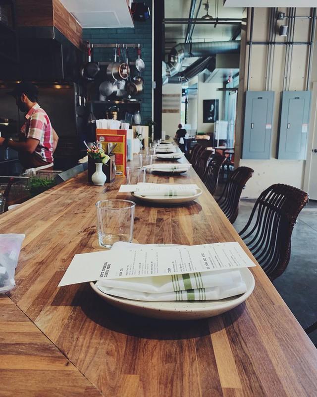 Mục sở thị nhà hàng đồ ăn Việt trên đất Mỹ của Vua đầu bếp Christine Hà: Tất thảy món ăn đều nấu bằng ký ức về mẹ - Ảnh 6.