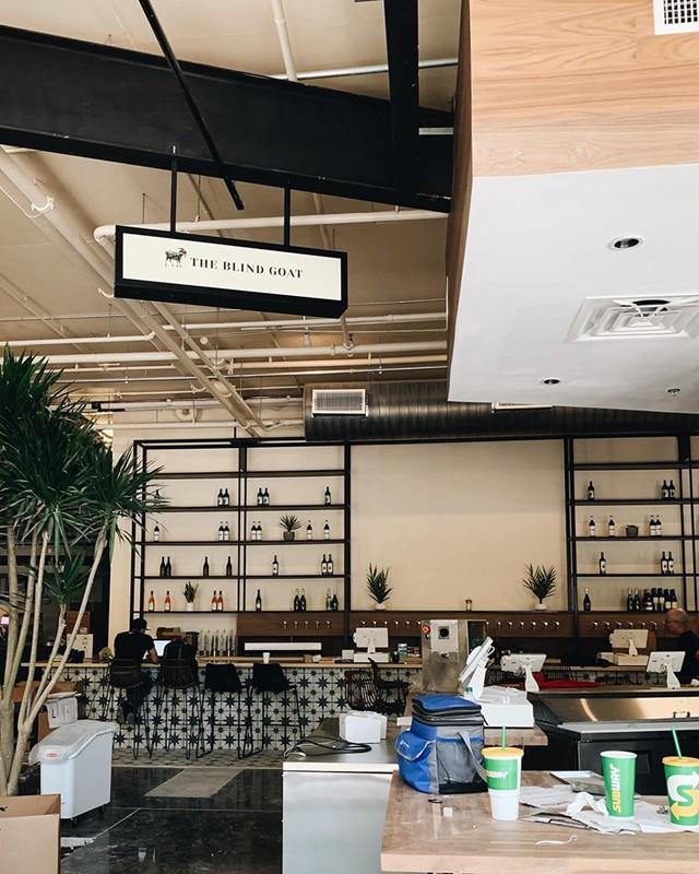 Mục sở thị nhà hàng đồ ăn Việt trên đất Mỹ của Vua đầu bếp Christine Hà: Tất thảy món ăn đều nấu bằng ký ức về mẹ - Ảnh 8.