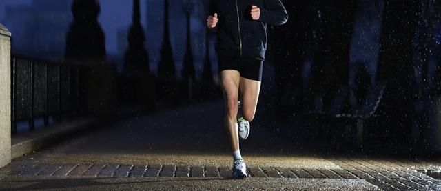Tập thể dục vào sáng sớm hay tối muộn mới tốt cho sức khỏe? Câu trả lời của chuyên gia sẽ khiến bạn phải xem lại mục đích của mình! - Ảnh 2.