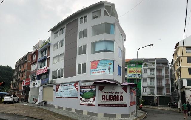 Đến lượt công ty con của địa ốc Alibaba bị khám xét - Ảnh 1.