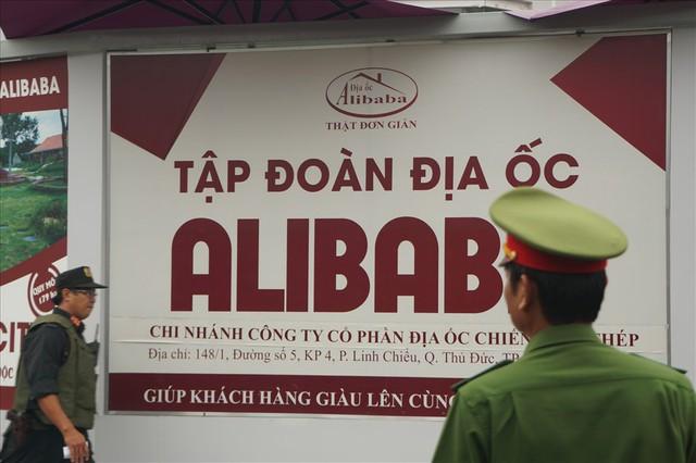 Đến lượt công ty con của địa ốc Alibaba bị khám xét - Ảnh 3.