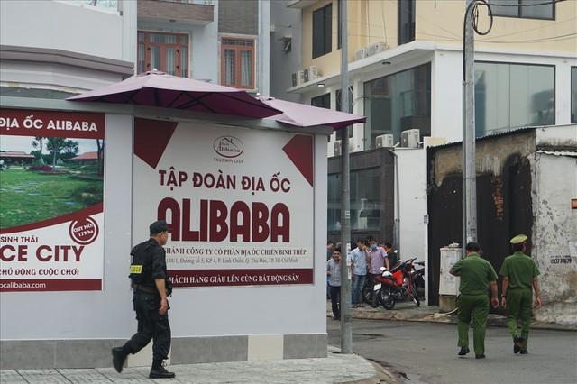 Đến lượt công ty con của địa ốc Alibaba bị khám xét - Ảnh 7.