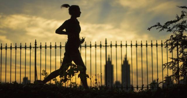 Tập thể dục vào sáng sớm hay tối muộn mới tốt cho sức khỏe? Câu trả lời của chuyên gia sẽ khiến bạn phải xem lại mục đích của mình! - Ảnh 3.