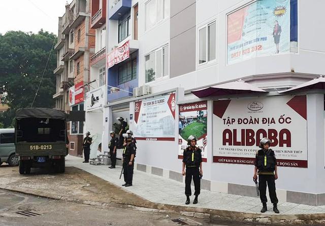 Nhân viên Alibaba ồ ạt dọn đồ khỏi công ty sau khi Nguyễn Thái Luyện bị bắt - Ảnh 8.