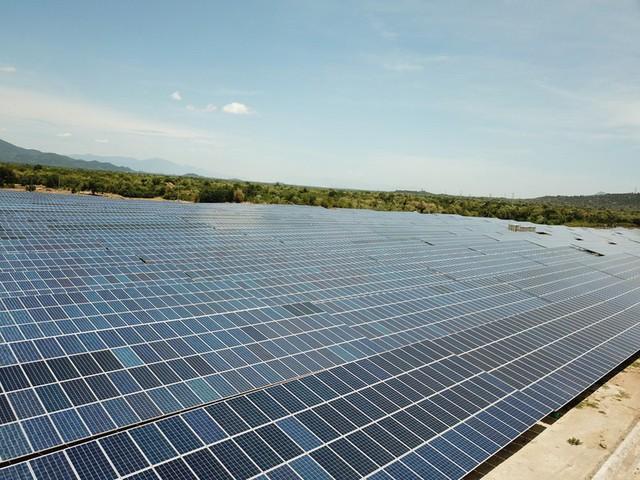 Đầu tư vào điện mặt trời: Sẽ áp dụng phương án 1 giá điện trên toàn quốc? - Ảnh 1.