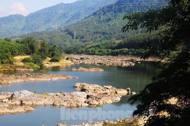 Những dòng sông chết dưới chân đập thủy điện Đắk Mi 4 - Ảnh 11.