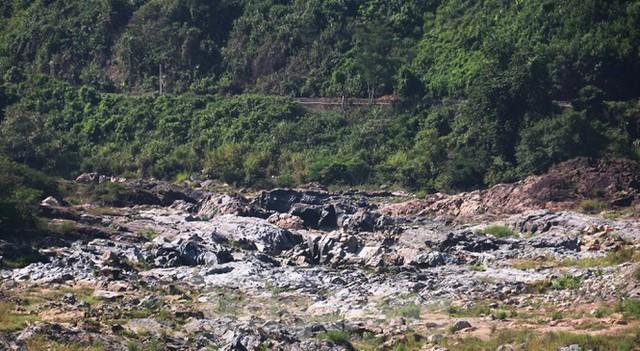 Những dòng sông chết dưới chân đập thủy điện Đắk Mi 4 - Ảnh 7.