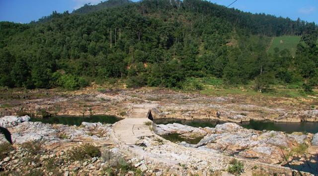 Những dòng sông chết dưới chân đập thủy điện Đắk Mi 4 - Ảnh 10.