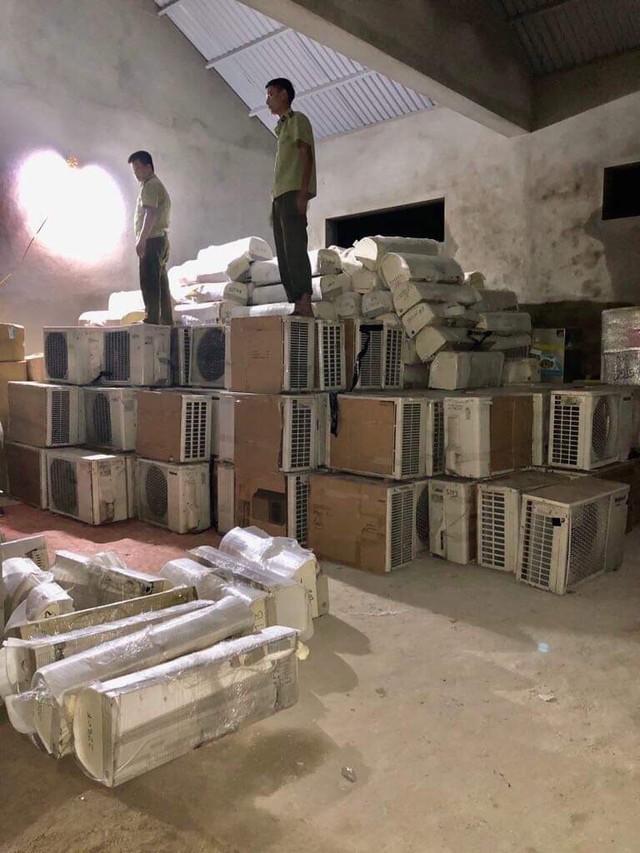 Thu giữ lô hàng hóa nhập lậu trị giá ước tính khoảng 500 triệu đồng - Ảnh 1.