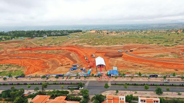 Bình Thuận trao giấy chứng nhận đầu tư cho dự án Mũi Né Summerland Resort  - Ảnh 1.