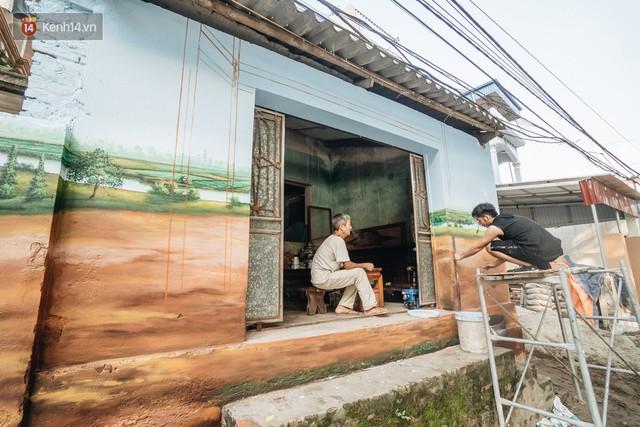 7 sinh viên biến làng trồng rau củ thành làng bích họa đầu tiên của Hà Nội - Ảnh 3.