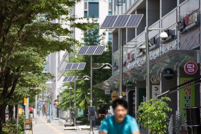 GS Hàn Quốc: Người giàu Seoul còn đau đầu vì giá điện; các bạn định bảo vệ Hà Nội thế nào? - Ảnh 8.